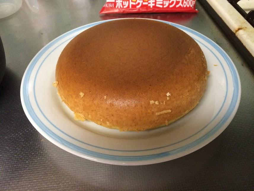炊飯器ホットケーキお皿に乗せる